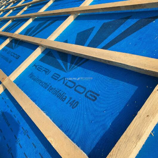 Páraáteresztő tetőfólia +rag 75m2 140 g/m²